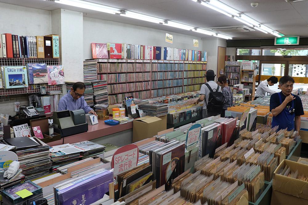 レコード社本店店内1